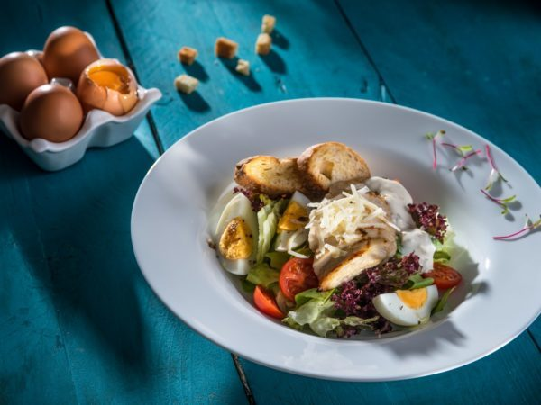 Salata Caesar