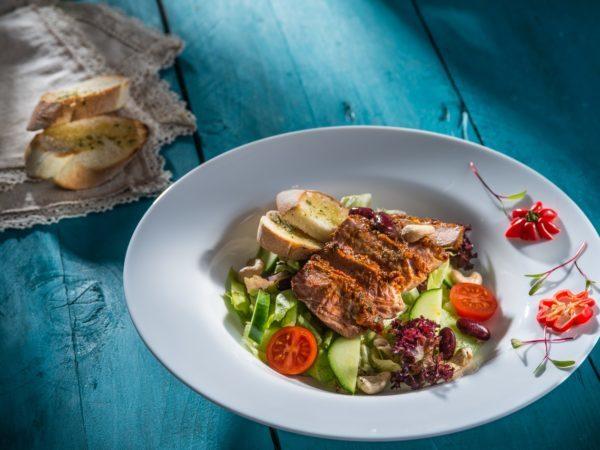 Salată cu muşchi de vită