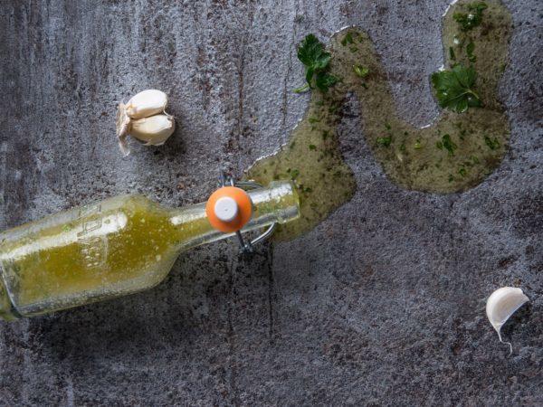 Ulei Măsline cu Usturoi și Verdeață