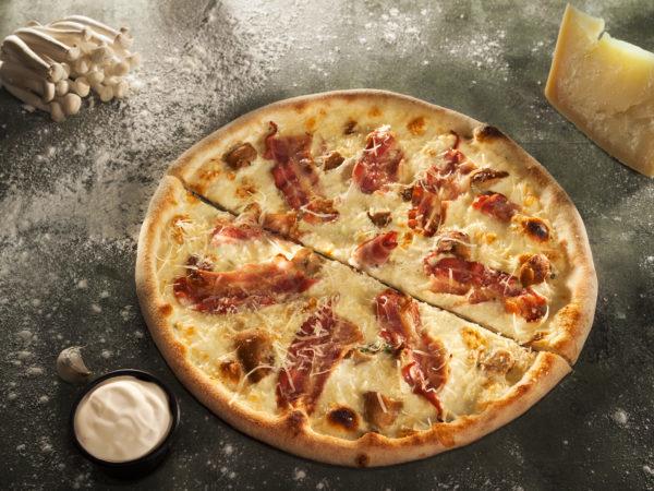 Pizza Pancetta e Pollo